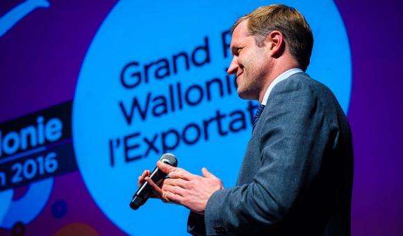 La cérémonie se déroulait en présence de Paul Magnette, Ministre-Président de la Wallonie.